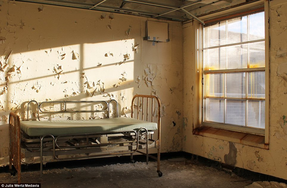 Greystone Park Psychiatric Hospital In New Jersey - Patient's Bed